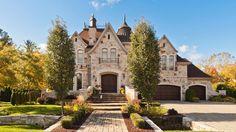 Maison à étages à vendre à Lorraine Laurentides | Sutton Québec