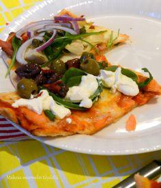 Makeaa murmelin täydeltä: Italialainen pizzapohja ja itse tehty tomaattikastike