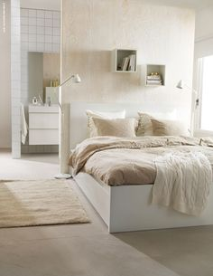 bedroom and badroom