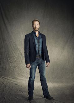 Kris Holden-Ried as Dyson (Lost Girl Season 3 Promotional) Kris Holden Ried, Pretty People, Beautiful People, Girls Season 3, Anna Silk, Girls Series, Lost Girl, Hot Hunks, Actor Model