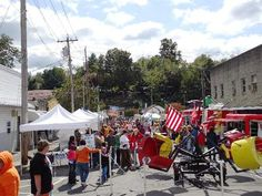 28th Annual Newport Harvest Street Festival: 9/13/2013 (Newport, Tennessee) - Looking for food vendors and artist/craft vendors for our counties largest festival.  Attendance approximately 8,000 -