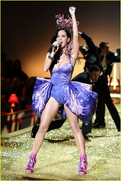 Katy Perry: Victoria's Secret Fashion Show Performer! | katy perry vs show 01 - Photo Gallery | Just Jared