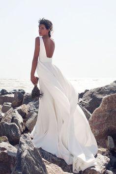 Trouwjurk met open rug Wedding Bells, Wedding Bride, Wedding Gowns, Dream Wedding, Luxe Wedding, Wedding Wishes, Dream Dress, Bridal Style, Bridal Dresses