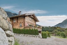 Ötztal Chlaet Tirol Exklusives Luxus Ferienhaus Mountain Climbing, Rock Climbing, Fantasy Inspiration, Home And Living, Austria, Relax, Mansions, Landscape, House Styles