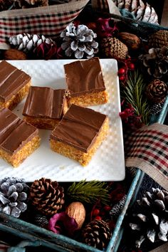 Newfoundland Five Star Cookie Bars - Lord Byron's Kitchen Star Cookies, Yummy Cookies, Butter Tart Squares, Newfoundland Recipes, Canadian Cuisine, Cookie Recipes, Dessert Recipes, Cookies For Kids, Chocolate Filling