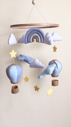 Handmade baby mobile for nursery decor . Handgemachtes Baby, Felt Baby, Baby Boy Toys, Baby Decor, Nursery Decor, Baby Room Decor For Boys, Boy Room, Baby Mädchen Mobile, Mobile Kids