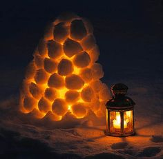snow lantern. so pretty!