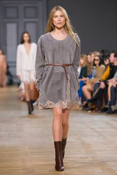 A look from the Chloé Fall 2015 RTW collection.