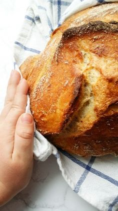Najprostszy drożdżowy chleb My Favorite Food, Favorite Recipes, Home Bakery, Banana Bread, Food And Drink, Healthy Recipes, Healthy Food, Pizza, Cooking