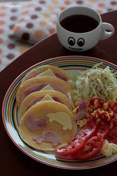 Breakfast at home  クルマ好きのだんなさんへの  朝ごはん