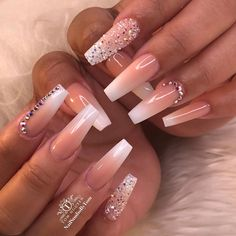 How to choose your fake nails? - My Nails Bling Acrylic Nails, Best Acrylic Nails, Bling Nails, Swag Nails, Matte Stiletto Nails, Wedding Acrylic Nails, Grunge Nails, Pink Acrylics, Rhinestone Nails