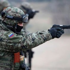 Spetsnaz: Inside Russia's Insane Special Forces Training [VIDEO] Military Units, Military Gear, Military Police, Military Surplus, Military Uniforms, Military Camouflage, Navy Military, Best Special Forces, Military Special Forces