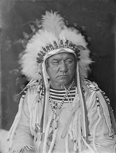 Blackfoot-Indian-1900