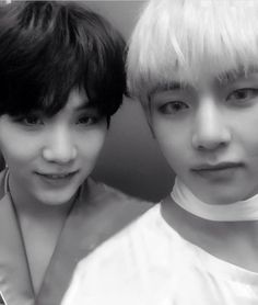 Image uploaded by ʙʟᴀᴄᴋ ꜱᴡᴀɴ. Find images and videos about kpop, bts and jungkook on We Heart It - the app to get lost in what you love. Min Yoongi Bts, Jimin Jungkook, Min Suga, V Taehyung, Bts Bangtan Boy, Foto Bts, Taekook, Mixtape, Rapper
