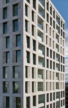 Max Dudler's new high-rise in Munich sets the tone as a characteristic landmark of stone and glass.