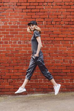Avila- Spring Summer 2016/17. Loose chino rolled, Organic cotton T, cap, Stan smith adidas sneakers. Favourite summer look! Athleisure, sports luxe.