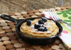 These Dutch baby pancakes are easy to whip up and bake in the oven. Use a single-serve skillet for each pancake or use ramekins or custard cups. Crockpot Breakfast Casserole, Breakfast Crockpot Recipes, Brunch Recipes, Baby Food Recipes, Pancake Recipes, Breakfast Skillet, Pancake Ideas, Food Baby, Eat Breakfast
