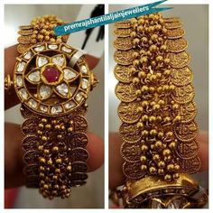 Gold Jewelry Design In India Gold Bangles Design, Gold Jewellery Design, Gold Jewelry, Jewellery Earrings, India Jewelry, Antique Jewellery, Designer Bangles, Gold Bracelets, Temple Jewellery