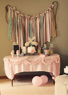 Love this setup! Could be for a little girl's birthday party or baby shower.