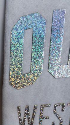 Hollogram Graphic Prints, Graphic Tees, Tambour Embroidery, Branding, Embroidery Techniques, Textile Prints, Artwork Prints, Fashion Details, Fashion Prints