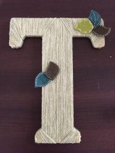 Wooden letter wrapped with yarn. Yarn Letters, Wooden Letters, Felt Leaves, Handmade Felt, Symbols, Lettering, Art, Wood Letters, Art Background
