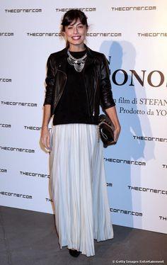 Alessandra Mastronardi con un look originale ma femminile.