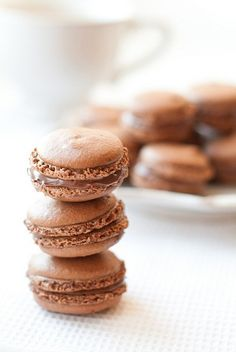 cOffee macarOns    by luca mOntersinO