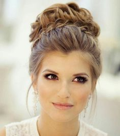 Hairstyles for weddings are of primary concern for every bride. It may be ravishing half up half down hairstyles or simple yet elegant wedding updo, but you should really know and feel it that it com (Prom Hair For Strapless Dress) Wedding Hairstyles Half Up Half Down, Best Wedding Hairstyles, Homecoming Hairstyles, Trendy Hairstyles, Hairstyle Wedding, Prom Updo, Prom Hair Updo Elegant, Bridesmaids Hairstyles, Elegant Updo