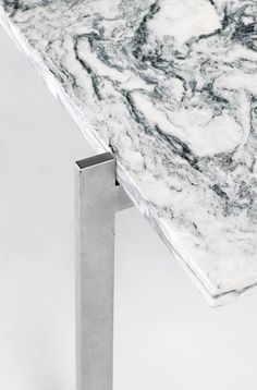 Ampersand House | Poul Kjaerholm PK61 coffee table base + marble by Il Granito (detail)