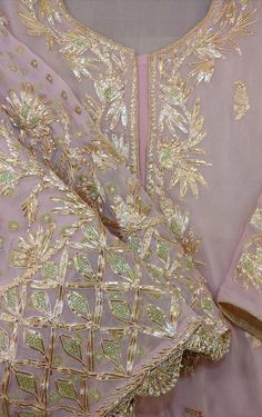 Looking for mid affordable Gurgaon Budget Lehenga stores? If your budget is anywhere under this lehenga market is perfect for you. Sabyasachi Bridal Lehenga Price, Sabyasachi Bride, Punjabi Suits Designer Boutique, Indian Designer Outfits, Embroidery Suits Design, Embroidery Fashion, Bridal Outfits, Bridal Dresses, Wedding Guest Outfit Inspiration