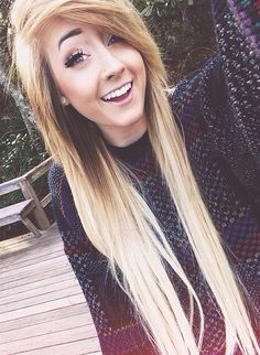 (Not actual yotuber)Hey. I'm lizzy. 18 and single as always. I love to skate and sing. See you around. Intro?