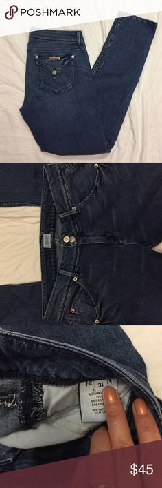 """Hudson skinny jeans flap pocket These are in excellent used condition. Inseam is 31"""" 💕 Hudson Jeans Jeans Skinny"""