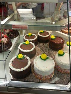 Cake Boss! Carlos's Bakery #cakeboss #hoboken @Jewel Ramos