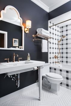 High contrast bath with bugfalo check inspired tile