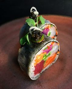 My name is TomySushi. And I offer you the best sushi. I'm waiting for you dream🍣🍣💤 collection Sushi Cake, My Sushi, Best Sushi, Japan Sushi, Japanese Food Sushi, Food Porn, Food Plating, My Favorite Food, Asian Recipes