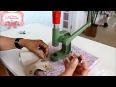 Como usa o Balancim e as Matrizes - YouTube Sewing Hacks, Sewing Projects, Patch Quilt, Flower Making, Craft Videos, Bag Making, Diy And Crafts, Sewing Patterns, Make It Yourself