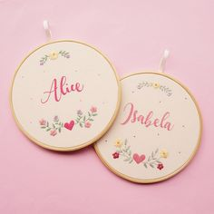 Hand Embroidery Patterns Free, Hand Embroidery Videos, Embroidery Flowers Pattern, Embroidery Motifs, Simple Embroidery, Learn Embroidery, Hand Embroidery Stitches, Embroidery Hoop Art, Alice