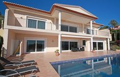 This outstanding villa is situated in one of Moraira's most prestigious locations, enjoying fabulous views across wine terraces to Moraira's town, marina and bay.