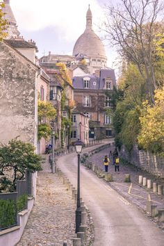 Montmartre Photo Diary: Photos and where to find the best spots in Montmartre, Paris, France (18e arrondissement of Paris)