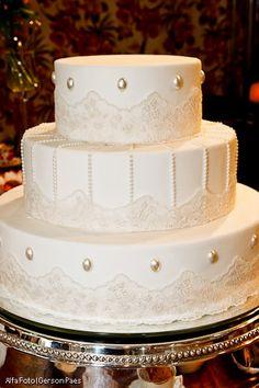 bolo de casamento com renda