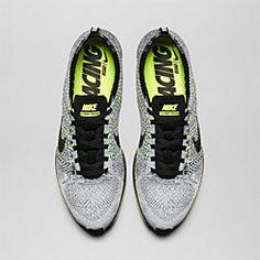 Nike Flyknit Race