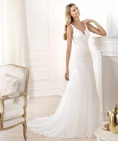 Wedding dress. Laberne model. Collection Fashion 2014. Pronovias 2014. V-neck. Urban bride. Tulle an