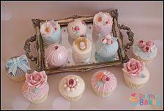 Vintage mini cakes - Cake by Dollybird Bakes