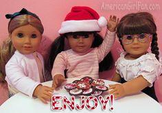 FREE tutorial DIY How to make Christmas cookies for dolls. Hey, Dolls need cookies too! American Girl Crafts, American Girl Clothes, American Girls, Sock Dolls, Ag Dolls, Girl Dolls, Ag Doll Crafts, Diy Doll, American Girl Accessories