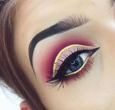 Red cut crease yellow wing color