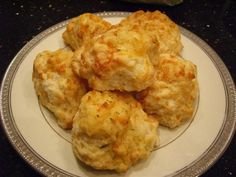 gotta try it.... with a salad... I'd be in heaven! Red Loster biscuit recipe!!!