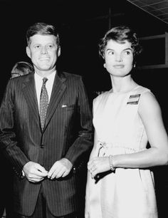 Mr. and Mrs. John F. Kennedy photographed at the Miami Convention, 1959.❤❤❤❤❤❤❤ http://en.wikipedia.org/wiki/John_F._Kennedy http://en.wikipedia.org/wiki/Jacqueline_Kennedy_Onassis