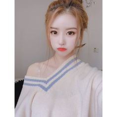 Mijoo~unnie, you're sooo pretttttyyyy😍 Woollim Entertainment, Nayeon, Girl Group, Bias Wrecker