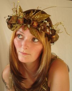 wouldn't be surprised is she uses this headress at her wedding