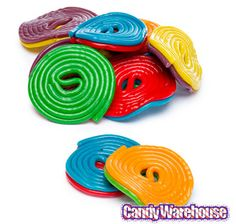 Licorice Wheels Two-Faced Candy: 1KG Bag